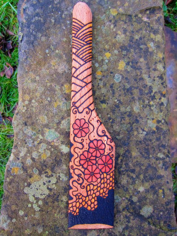Japanese style - Hand carved spatula with pyrography design