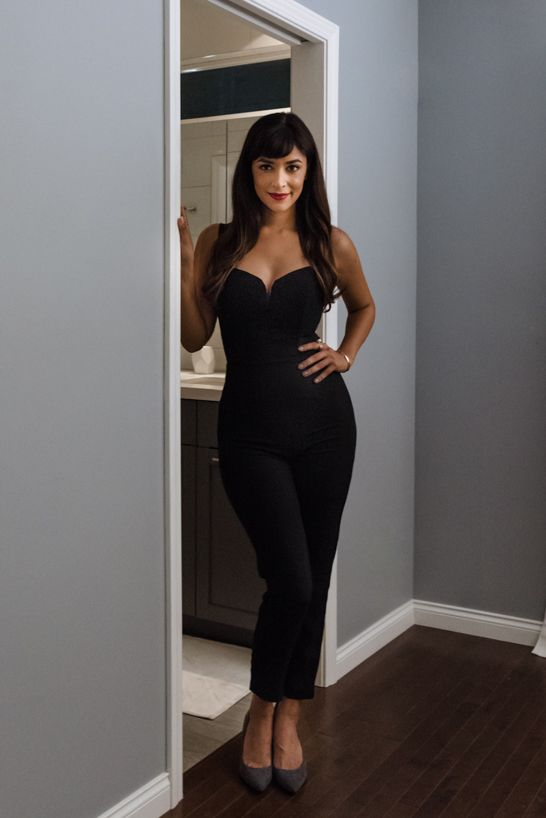 Hannah Simone in a H&M jumper for her holiday party! | H&M OOTD