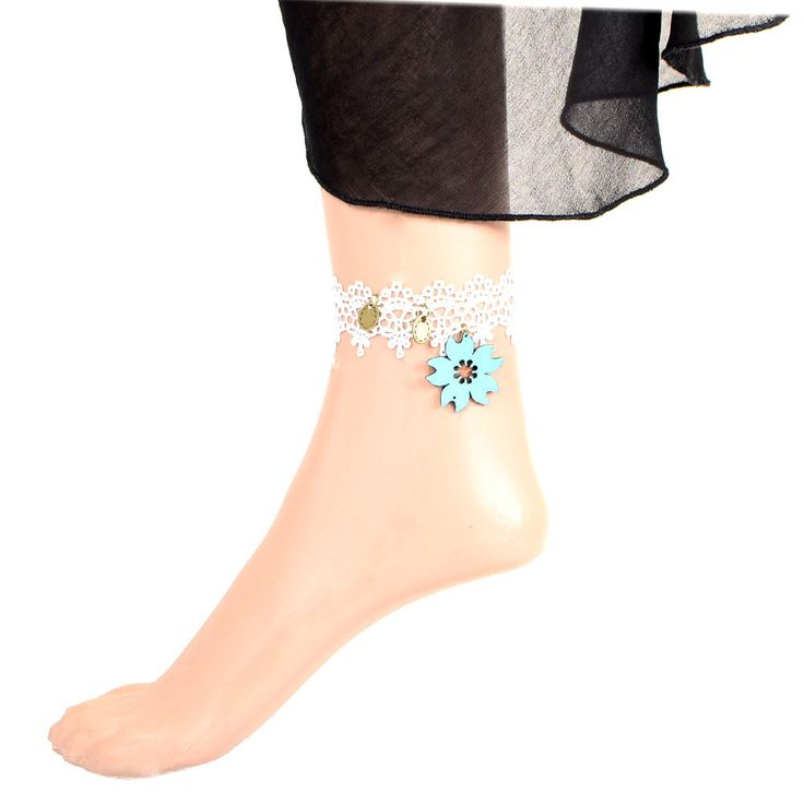 Buy Beora Flower #Pendant White #Lace #Anklet at Rs.499.00 only from #TrendyMela.