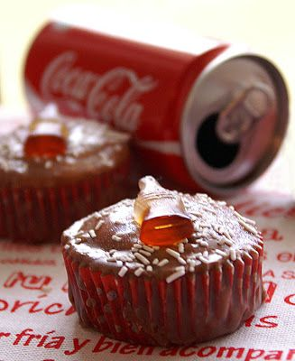 Objetivo: Cupcake Perfecto.: Cupcakes de Coca-Cola... o de cómo mi zapatilla re...
