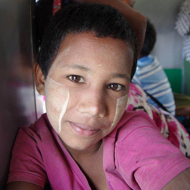Burmese girl on the circular train, Yangon #burma #myanmar #myanmarburma #travelportrait #travel #childportrait #childrenoftheworld #facesoftheworld #facesoftheearth #travelling #livingthedream #pentax #pentaxk5ii #asia #burmese #burmesechild #yangon #tra (scheduled via http://www.tailwindapp.com?utm_source=pinterest&utm_medium=twpin&utm_content=post82588763&utm_campaign=scheduler_attribution)
