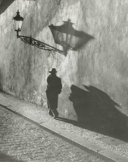 Prague ( 1930s).