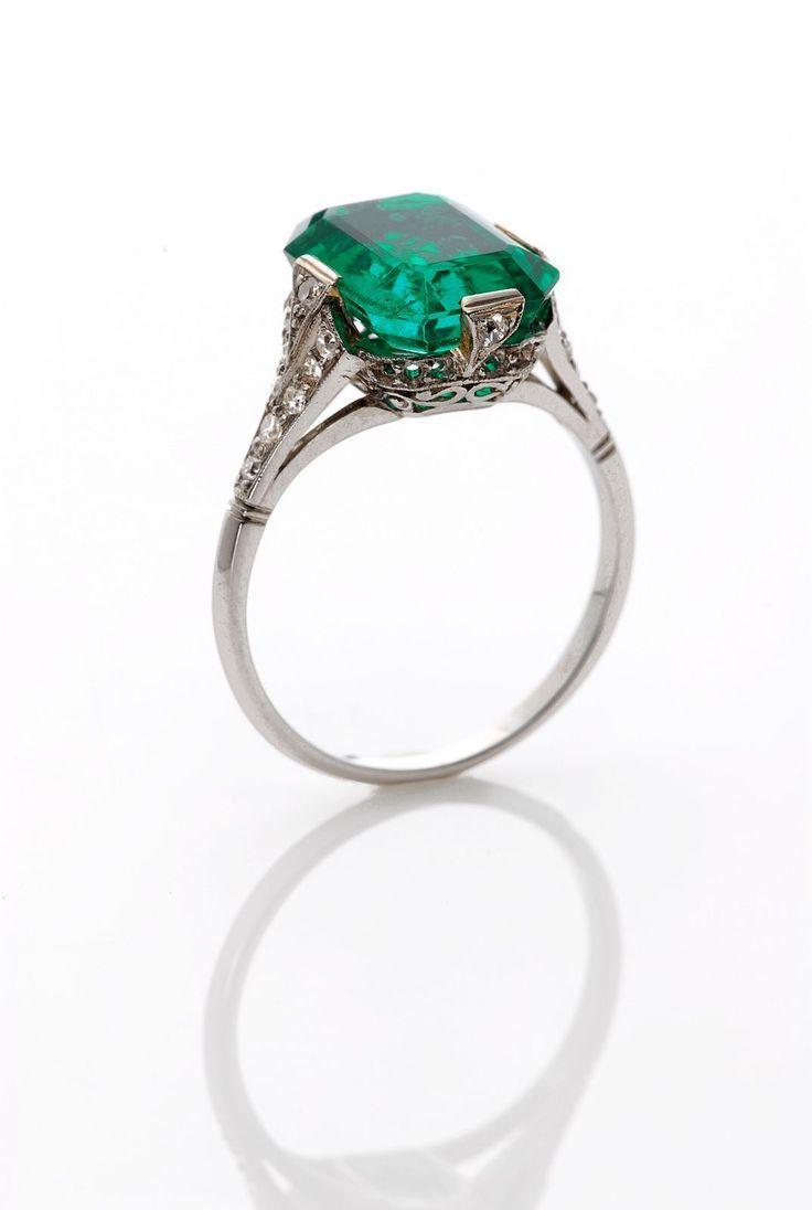 http://rubies.work/0576-emerald-rings/ .