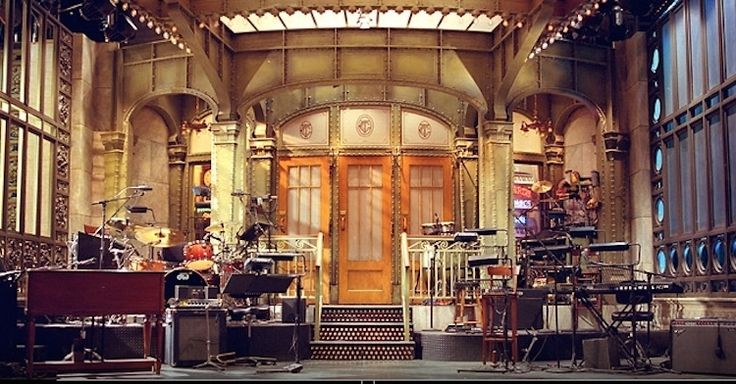 http://www.andpop.com/wp-content/uploads/2014/09/SNL-stage.jpg