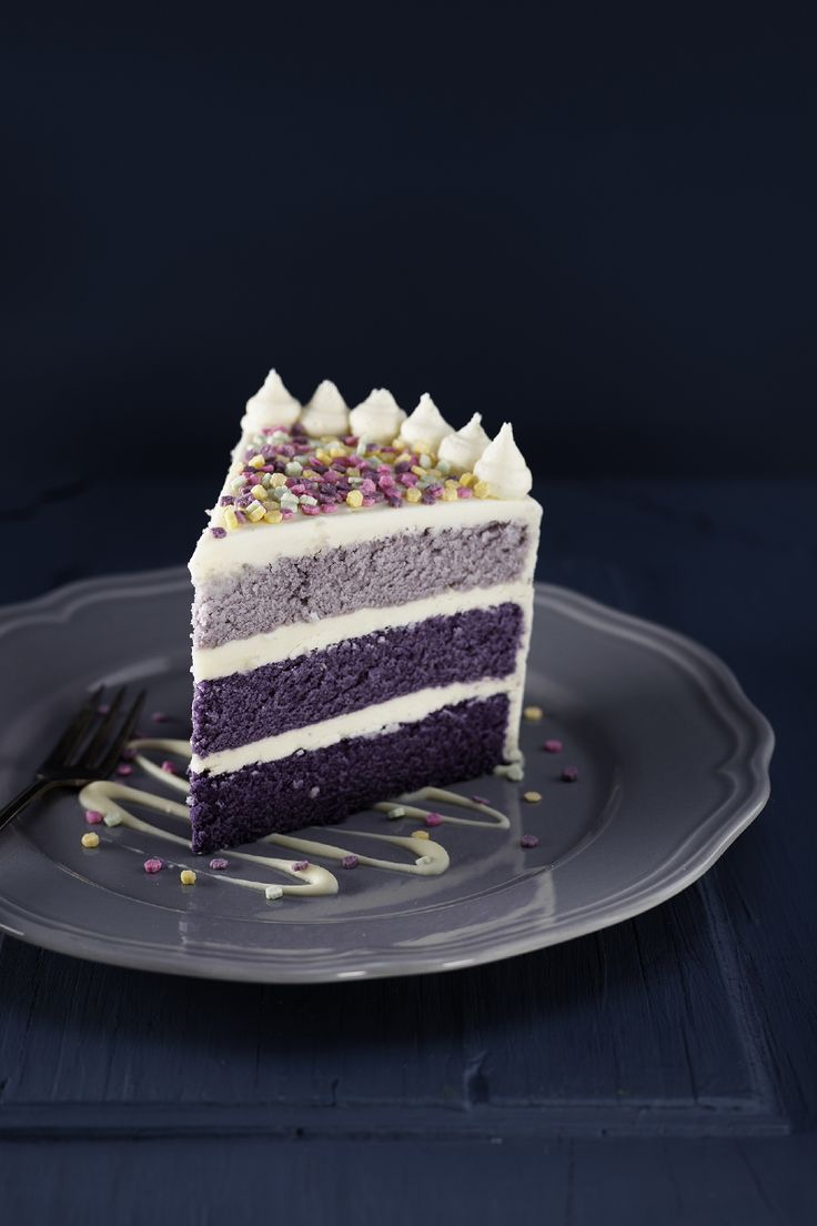Dyed violet Violet batter cake www.pandurohobby.com Sweets by Panduro  #sweets #DIY  #candy #cake #purple #lila #tårta #tårtor