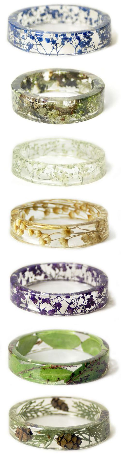 Love these rings with actual flowers inside them. :D