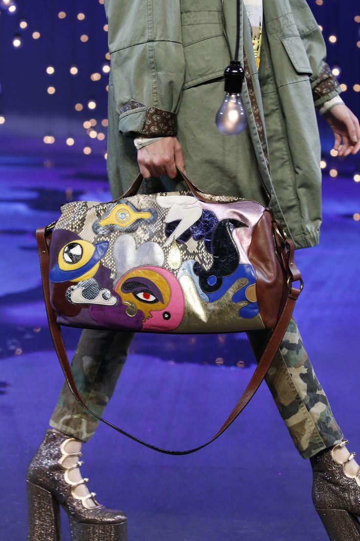 Julie Verhoeven for Marc Jacobs Spring '17 | Details ...