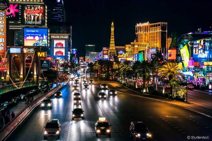 A famosa Rua Strip, onde estão localizadas as principais atrações de Las Vegas, não está propriamente na cidade. A Las Vegas Boulevard só possui um pedaço que faz parte da Sin City. Isso mesmo! O resto de sua extensão pertence a duas outras cidades, Paradise e Winchester.
