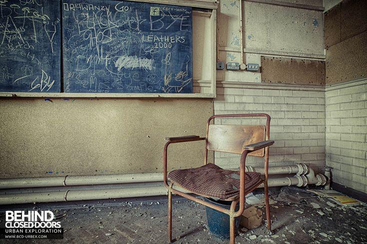 Easington+Colliery+Primary+School+-+The+teachers+chair
