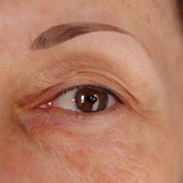 Comment maquiller un oeil mature