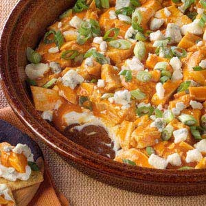 Easy and Tasty Buffalo Chicken Dip.    •1 pkg (8 oz.) Philadelphia® Cream Cheese, softened  •1 pkg. (6 oz.) Oscar Mayer® Deli Fresh Oven Roasted Chicken Breast Cuts  •1/2 cup hot pepper sauce for Buffalo wings  •1/4 cup Blue Cheese Crumbles  •2 green onions, sliced