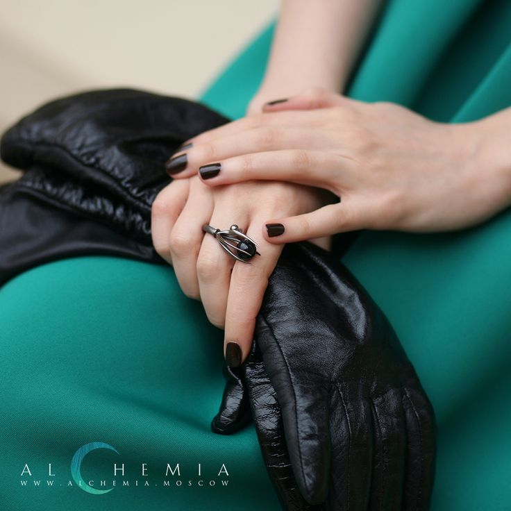The Crow ring. Silver. Handmade by Alchemia Jewellery.