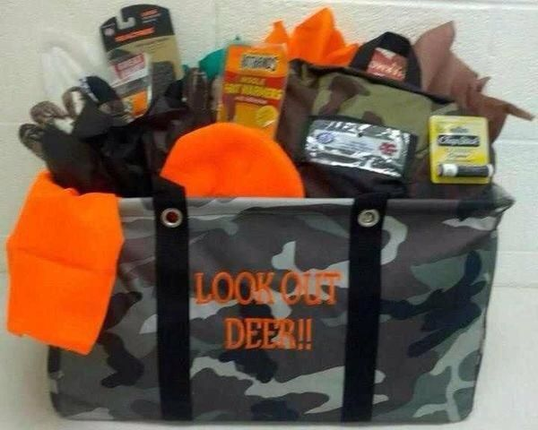 Looking for a great gift for dad for Father's Day?  This utility tote would be great for any hunter or camo lovin' guy! #Org31