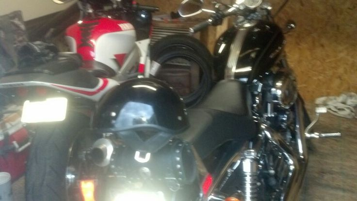 My 2 babies.. 2000 Yamaha r6  (for sale soon) 2006 HD Sportster 1200