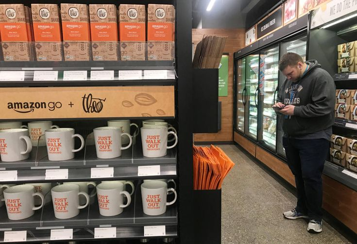 Hoy abre el supermercado del futuro según Amazon: así es comprar sin colas ni cajeros