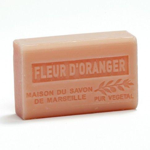 Fleur D'Oranger  Zeep op basis van 100 % Biologische sea butter.  Haal de Provence in huis met deze Biologische zeep. De heerlijke geur van de etherische olie komt uit het gebied van zuid Frankrijk. Grass is  de plaats van de heerlijk geurende Bloemen en kruiden. De zeep is door zijn zachtheid voor alle huidtypen geschikt. Laat je huid verwennen door dit mooie stukje zeep..