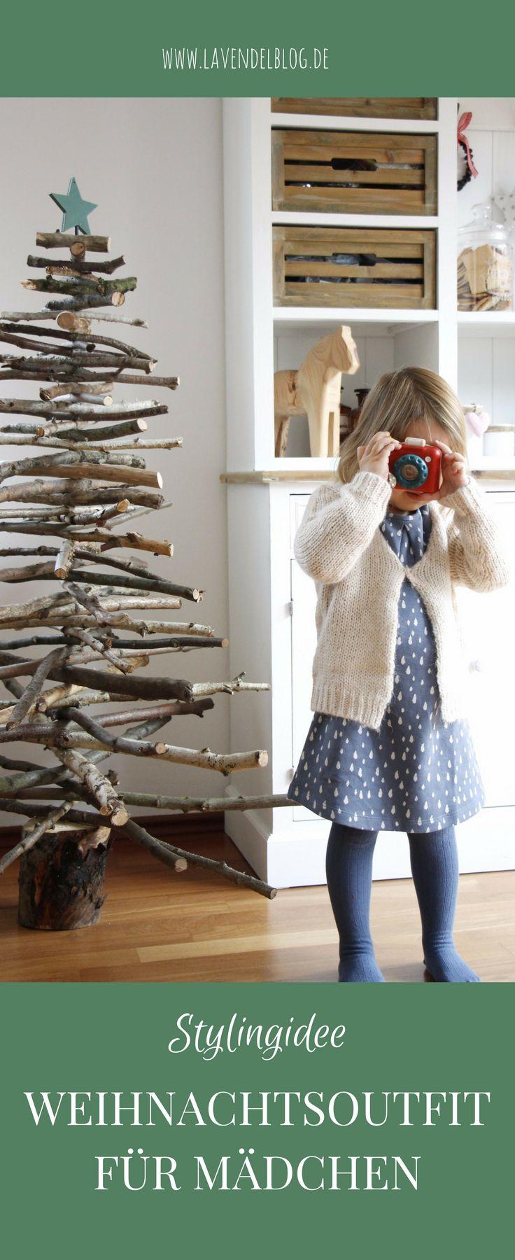 Kinder Weihnachtsoutfit: Dieses Kleid mit Regentropfen ist ein wunderschönes Mädchen Weihnachtsoutfit. Die Stylingidee für Weihnachten ist schnell und einfach umzusetzen. Es handelt sich um Kinderkleidung für Mädchen zum Wohlfühlen. Auch ein Jungenoutfit findet man dort.