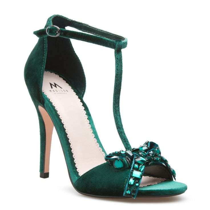 17 best ideas about emerald green shoes on pinterest fire opals opal jewelry and emerald earrings. Black Bedroom Furniture Sets. Home Design Ideas