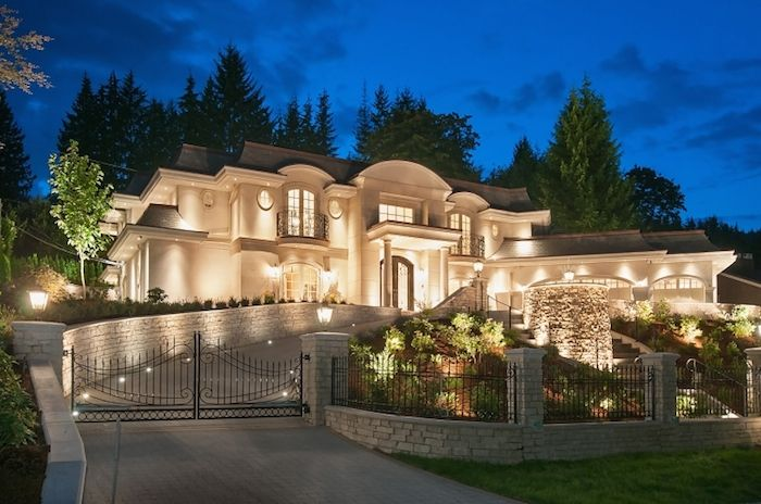 397 Southborough Drive, West Vancouver, British Columbia, Canada, V7S 1M3 – $7,880,000 CAD |