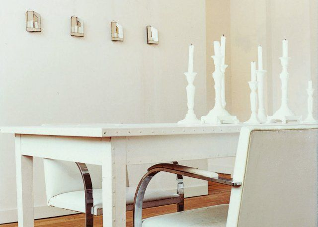 17 best ideas about salle a manger blanche on pinterest - Chaise de salle a manger blanche ...