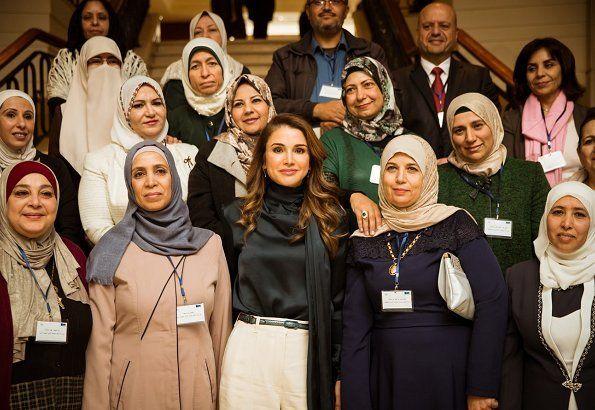 Queen Rania Attends Rhas S Capacity Building Day Queen Rania Royal Fashion Queen