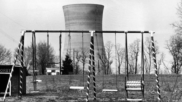30/05/2017 Kerncentrale van Three Miles Island gaat dicht Noord-Amerika  Pennsylavania  Industrie Eigenaar Exelon Corp sluit op of rond 30 september 2019 de kerncentrale van Three Miles Island. Daar deed zich het grootste nucleair ongeluk uit de Amerikaanse geschiedenis voor. In de centrale is nog maar één reactor actief. Er werken 675 mensen.