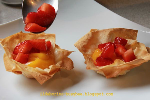 Fillo Pastry Baskets with Lemon Curd and Strawberries #recipe #dessert #fruit