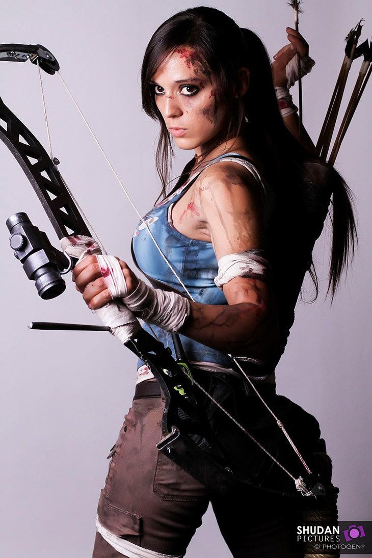 Tomb raider cosplay stripping