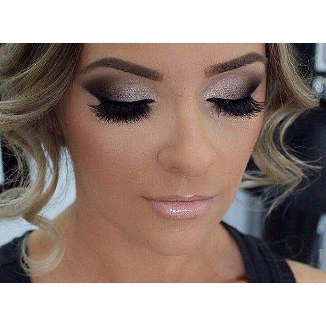 Αποκτήστε το καλύτερο νυφικό μακιγιάζ μόνο με τις υπηρεσίες του @homebeaute στο σπίτι σας! Για κρατήσεις στο τηλέφωνο  21 5505 0707! . . . #γυναικα #myhomebeaute  #ομορφιά #καλλυντικά #καλλυντικα #μακιγιαζ #κραγιόν #κραγιον #makeup #χειλη #ομορφια #μακιγιάζ #νυφη #νυφικο