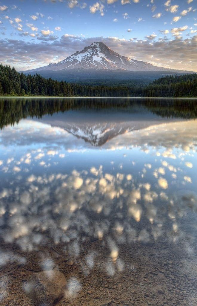Mt Hood, Oregon. Las tomas aéreas de la película de Kubrick El resplandor fueron filmadas en esta zona, en el Timberline Lodge ubicado en el Monte Hood en Oregon.