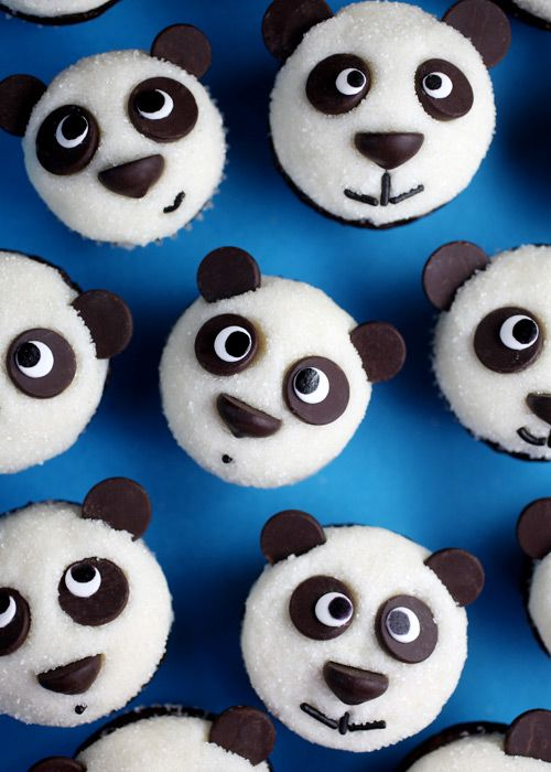 Get creative with these cute panda cupcakes!
