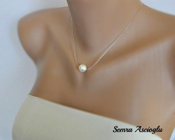 Collar hecho a mano con perlas de agua dulce de Handmade by Semra Ascioglu por DaWanda.com
