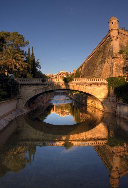 Golden Hour in Palma de #Mallorca, Spain Next to the Es Baluard Museum