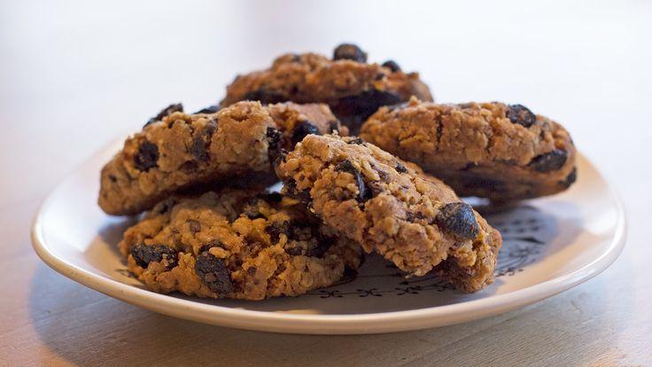 Cookies kan være gode småkaker til jul, men er også nydelig til kaffen resten av året. Oppskriften på cookies med sjokolade, aprikos og fiken kommer fra konditor Ann Jeanett Paterson.