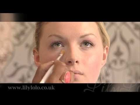 Lily Lolo Mineral Cosmetics - Foundation Tutorial