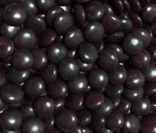 500 gram (half kilo) bags of black chocolate beans for kids birthday parties, weddings, chocolate party favors & lolly bags. For sale online in Australia – Australian website.