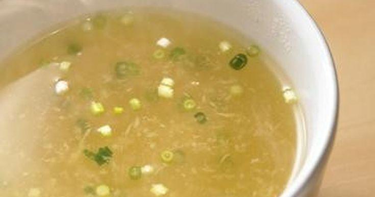 生姜たっぷりでぽかぽか♪「味の素KK丸鶏がらスープ」のうま味で味わい大満足!マグカップだけで作れる超カンタンスープです。