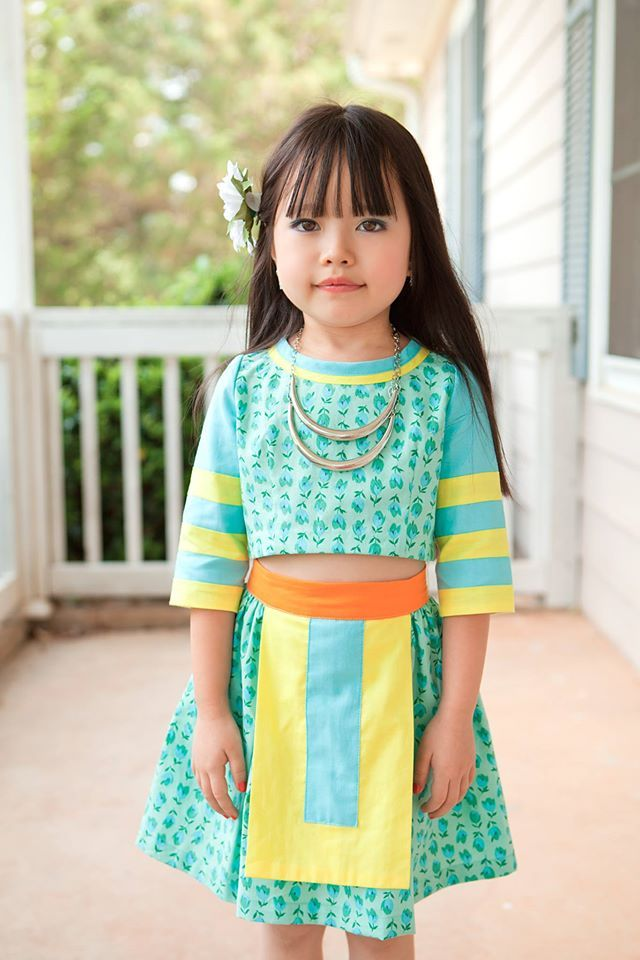 Modern Hmong clothes for girls. LOVE.  Creator: D&M Photo & Design on Facebook/ DMuasDesigns on Etsy.