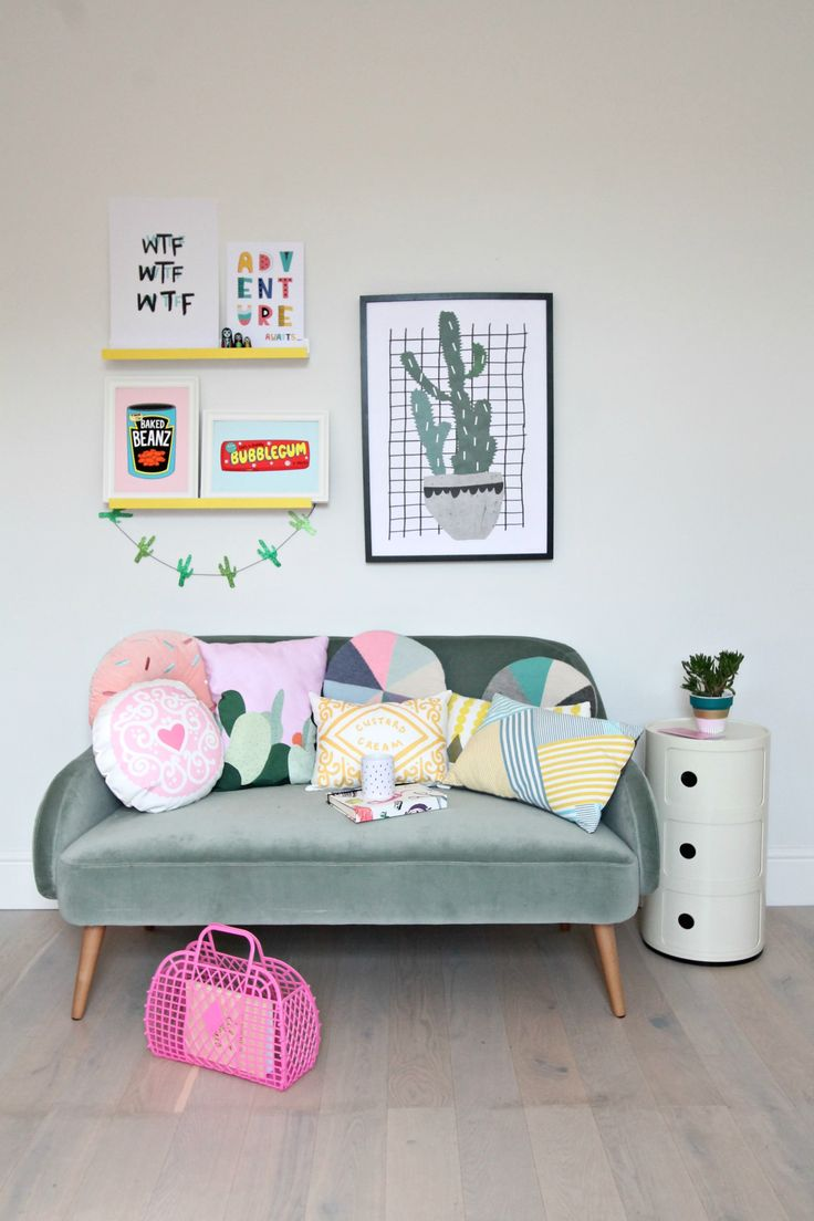 How to create colourful gallery walls with Etsy UK. I show you how to do a Spring refresh of the rooms at home on a limited budget.