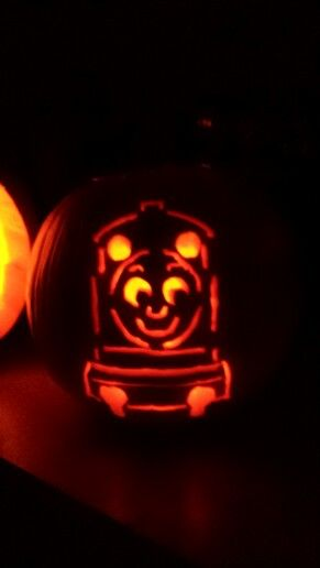 Thomas the train pumpkin carvings and carving on pinterest for Thomas pumpkin template