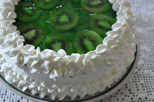 Lime Ribbon Delight Cake. #food #cakes #limes #desesrts