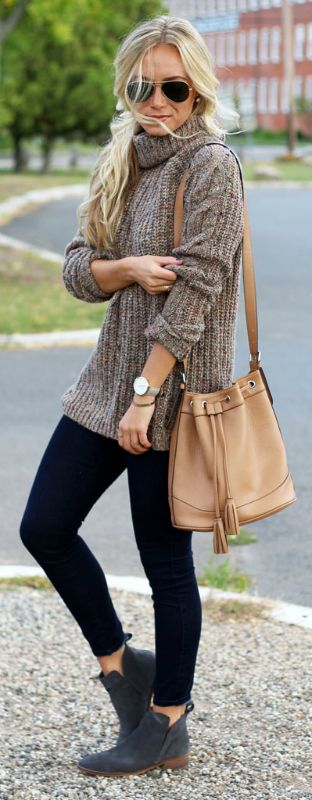 Marissa Meade + cosy and comfortable + knitwear outfit + cable knit sweater + black jeans + Chelsea boots + minimal accessories + stripped down style.   Outfit: Abercrombie & Fitch.