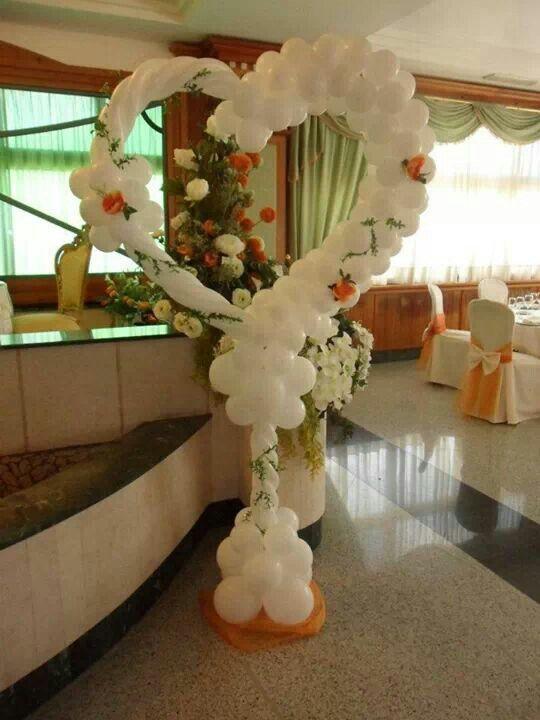 Heart Balloon Column