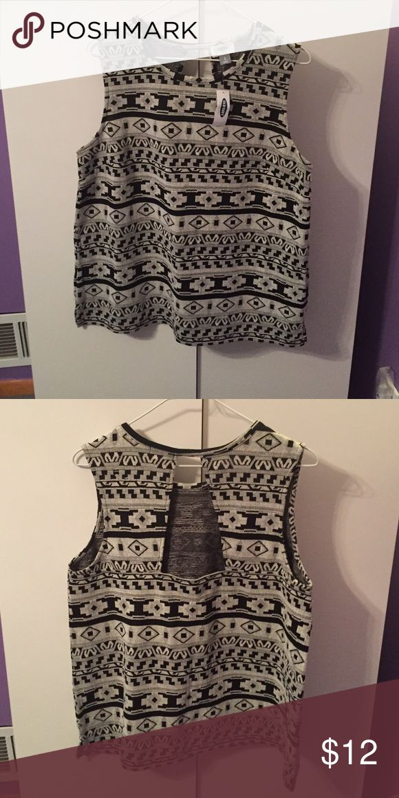 Old Navy Aztec Blouse NWT Old Navy Tops Blouses