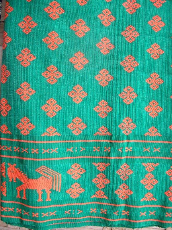 JP: Traditional Indonesia: Tenun ikat Sumba