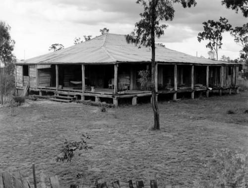 Greycliffe Homestead is a well-preserved slab hut construction built in about 1870. The home has been relocated into Biloela on the corner of Gladstone Road and Lawrence Street from its original position on Greycliffe Station. The Nott family lived on the property for over 100 years.