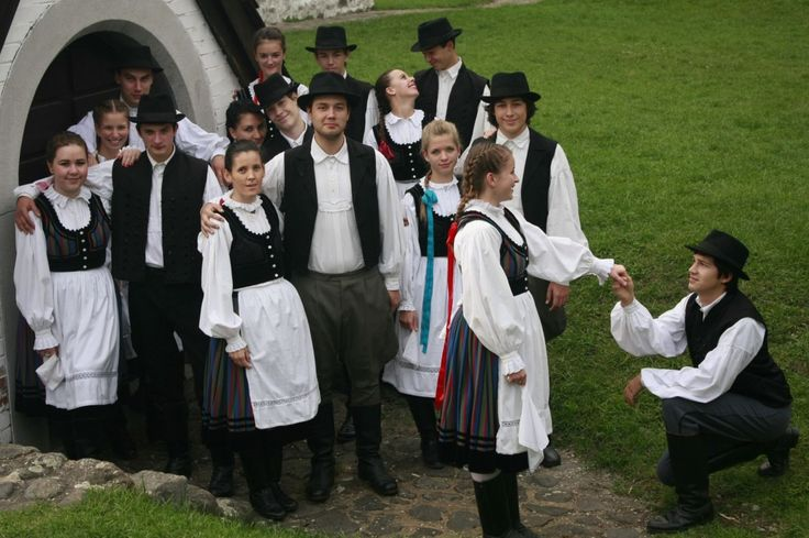 Szek; ethnic Hungarians from Transylvania
