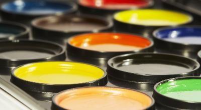Como misturar tintas para obter cor de vinho