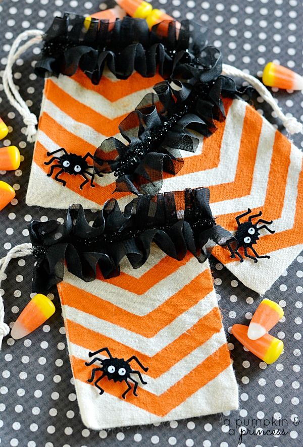 139 best Party Time images on Pinterest Finger foods, Good ideas - halloween treat bag ideas