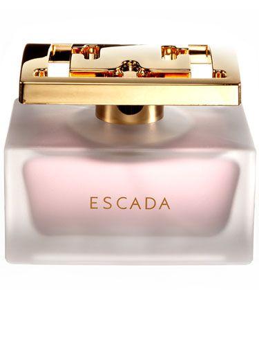 ESPECIALLY ESCADA DELICATE NOTES - Escada-Inspirada pelo espírito jovem da mulher alegre, espontânea e glamourosa, que deseja um perfume sofisticadamente fresco, capaz de levá-la às nuvens. O seu aroma fresco e delicado é igualmente constituído por notas de rosa, mas centra-se na natureza suave e sensual desta flor. Simboliza o espírito da mulher alegre e espontânea. Abre com a frescura da rosa e com suaves toques de pera que revelam graciosamente o coração feminino das pétalas d rosa e do…